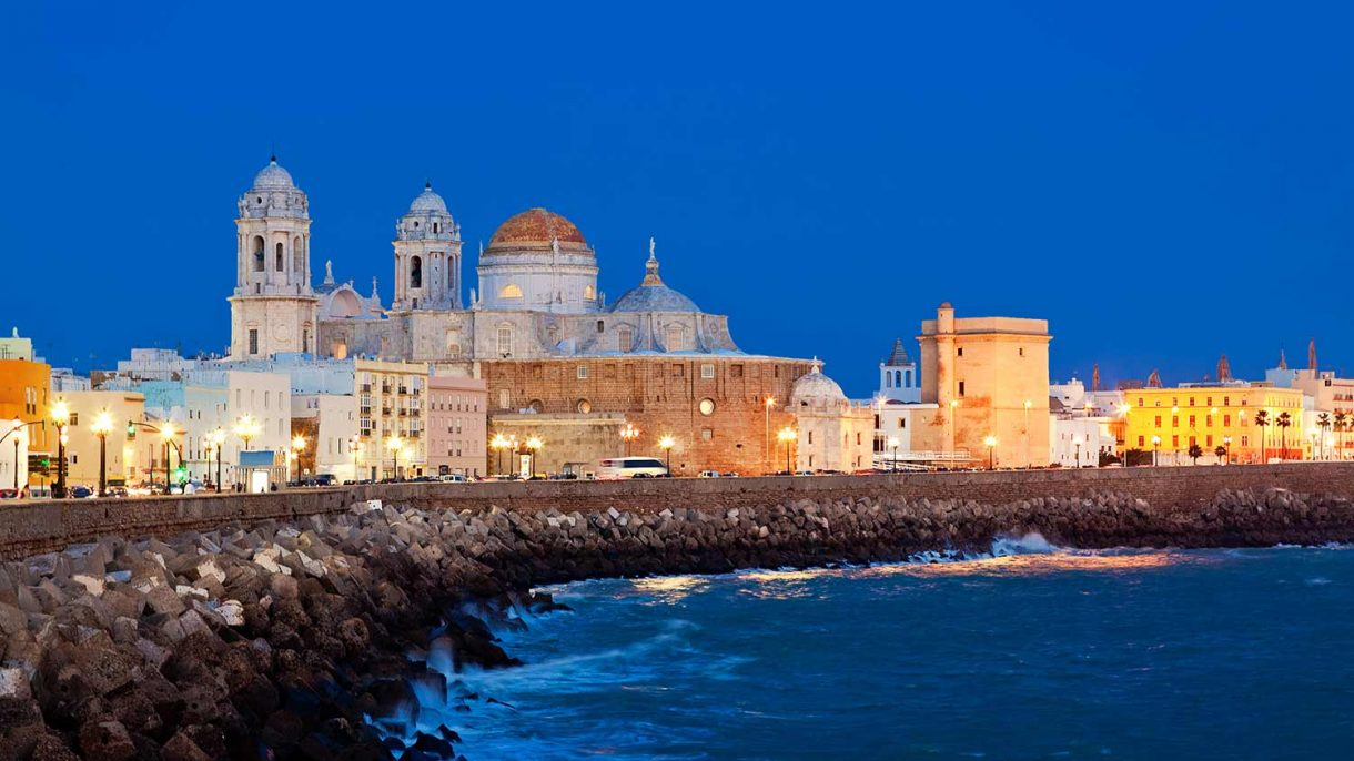spain-andalucia-cadiz-cathedral-quay-night-511388970
